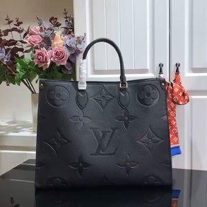 Louis Vuitton empreinte onthego black